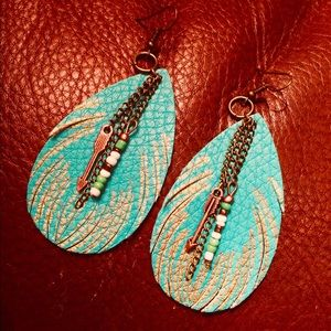 TURQUOISE LEATHER FEATHER EARRINGS ARROWS & BEADS